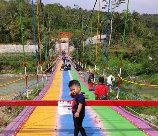jembatan pelangi